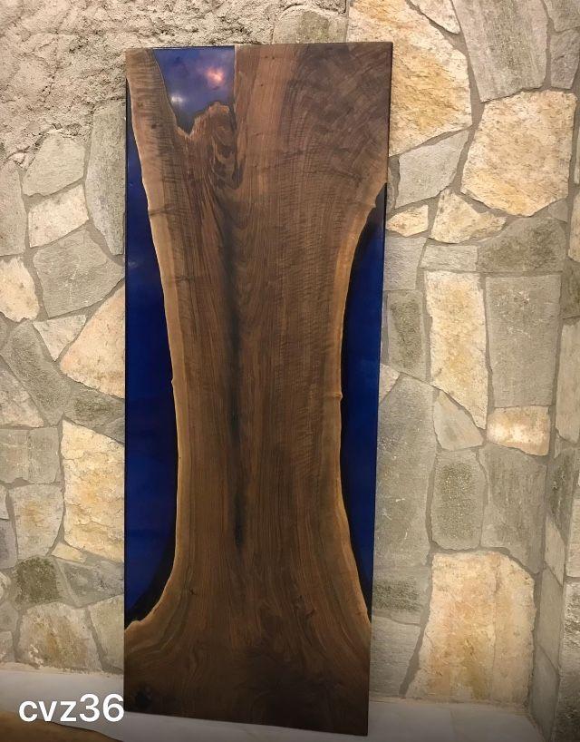 Nusstischplatte mit Epoksit  86X229 cm
