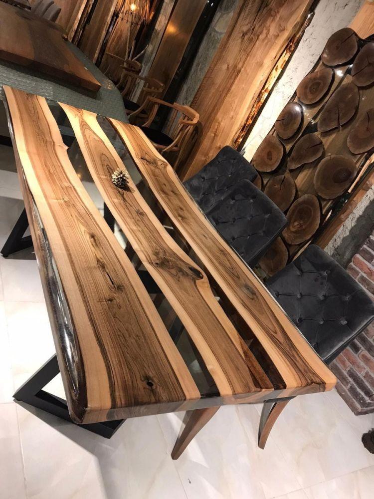 Nusstisch mit Epoksitharz 216x90 cm